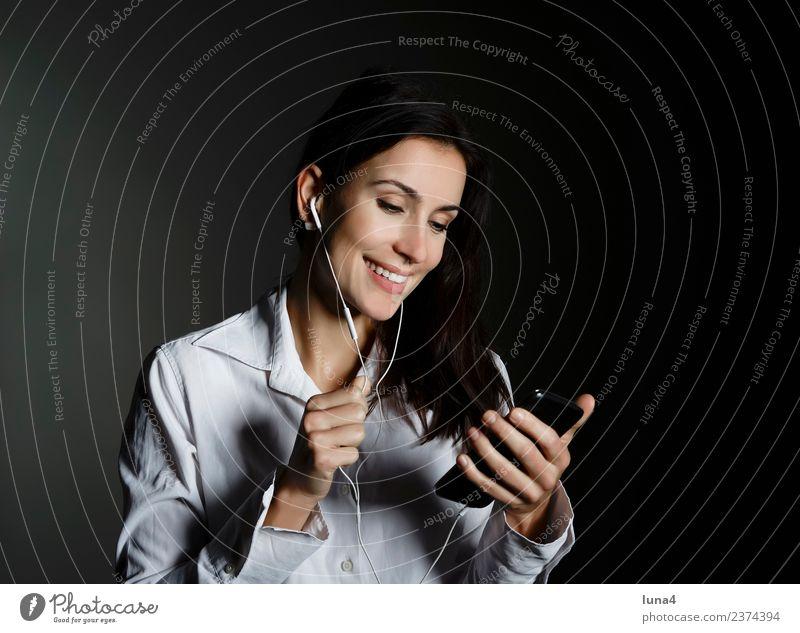 Geschäftsfrau mit smartphone elegant Freude Glück schön Zufriedenheit Erfolg Business Karriere sprechen Telefon Handy Headset PDA Technik & Technologie Internet
