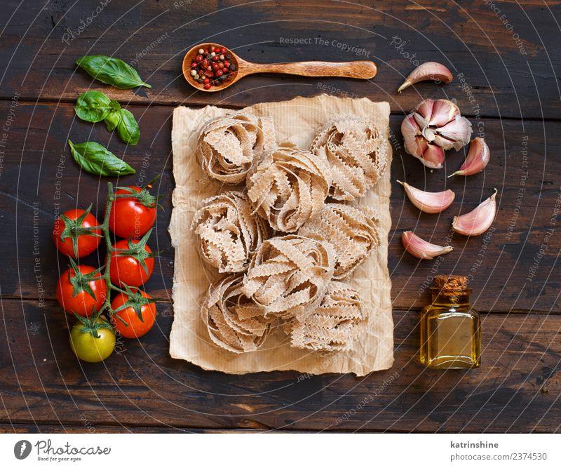 grün rot Blatt dunkel braun frisch Tisch Tradition Diät Flasche Mahlzeit Vegetarische Ernährung Tomate rustikal roh Zutaten