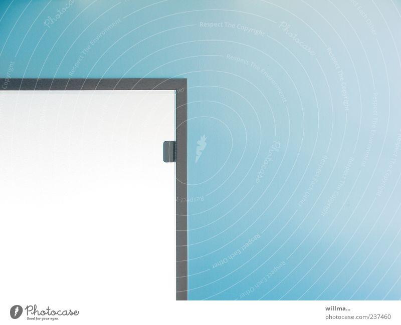 kein himmel über berlin. blau weiß Wand Architektur Mauer Innenarchitektur Tür Ordnung Design modern Sauberkeit eckig graphisch Anschnitt Zarge minimalistisch