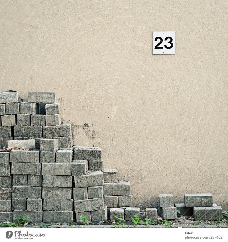 Steinigung Wand Mauer trist Schilder & Markierungen Ordnung Ecke Ziffern & Zahlen Baustelle Material Karriere Pflastersteine Stapel 23 Arbeitslosigkeit