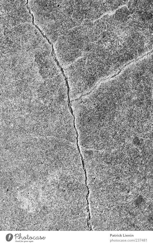 Lebenslinien Straße Beton Linie alt kaputt trashig trist Symmetrie Wege & Pfade Boden Bodenbelag Riss leer Außenaufnahme Nahaufnahme Detailaufnahme Muster