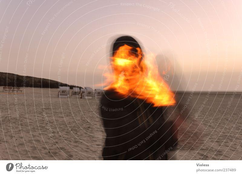 Spiekeroog | ...firedevil Feuer heiß Fackel Strand Farbfoto Bewegungsunschärfe Oberkörper Flamme haltend 1