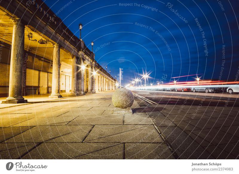 *** 1600 *** Brighton Beach Stadt ästhetisch England Nacht Straße Langzeitbelichtung Säule Poller Verkehr Verkehrswege Dämmerung Himmel Weitwinkel Berufsverkehr