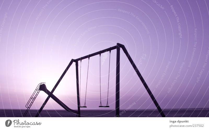 Blue sky- good bye Ferien & Urlaub & Reisen Sonne Strand Einsamkeit Umwelt Stimmung Freizeit & Hobby leer Schönes Wetter violett Schaukel Spielplatz Rutsche