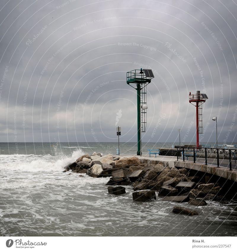 Sturm über der Adria III Natur Wasser Ferien & Urlaub & Reisen Meer Sommer Strand Wolken dunkel Stein Horizont Wellen Wind Felsen wild Schilder & Markierungen