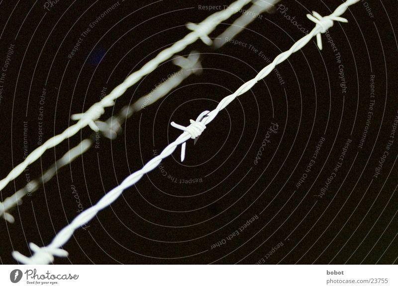 Grenze Industrie stoppen Zaun Aufenthalt Stacheldraht