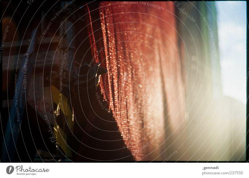 Baugerüst rot Farbe ruhig Zufriedenheit glänzend ästhetisch Baustelle Röhren analog Rahmen Leiter Arbeitsplatz Abdeckung Dia