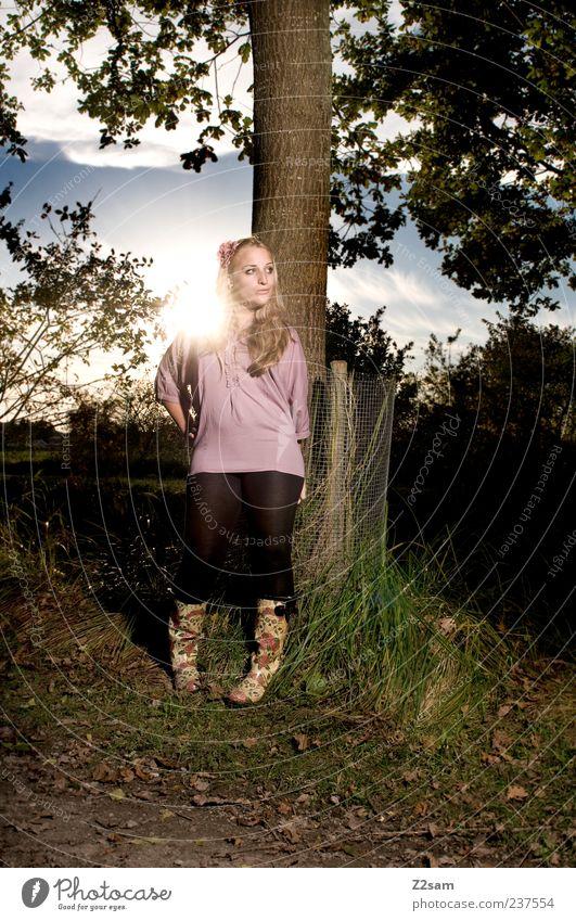 sunshine Lifestyle Stil Mensch feminin Junge Frau Jugendliche 1 18-30 Jahre Erwachsene Umwelt Natur Landschaft Himmel Sonnenaufgang Sonnenuntergang Herbst Baum