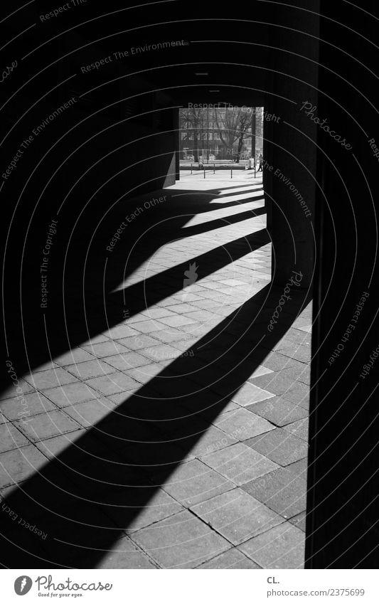 gang Schönes Wetter Düsseldorf Stadt Stadtzentrum Bauwerk Gebäude Architektur Mauer Wand Säule Linie Streifen ästhetisch dunkel eckig Perspektive Wege & Pfade