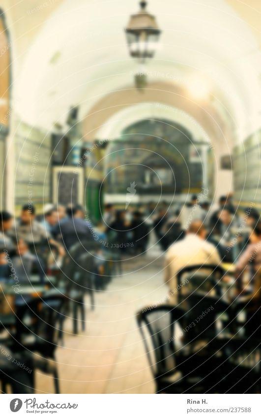 MännerWelt Mensch Ferien & Urlaub & Reisen Erholung Leben sprechen Menschengruppe Lampe maskulin Tourismus authentisch sitzen Lebensfreude Kultur historisch Rauchen Café