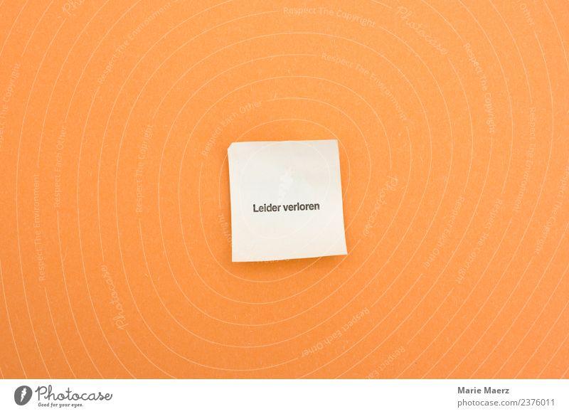 Leider verloren - Niete Glück Glücksspiel Erfolg machen Spielen frech orange Neugier Enttäuschung betrügen verschwenden Spielsucht Misserfolg Risiko Schwäche