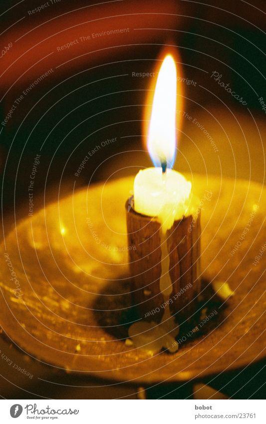 Ein Licht für jeden Kerze Physik Christentum Wachs schmelzen gelb Religion & Glaube Freizeit & Hobby Kerzendocht Flamme Wärme Brand Schalen & Schüsseln Metall