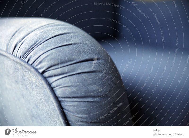 FEIERAAAAAAAAAHMD! (oder auch: die blaue Stunde ;-) blau alt ruhig Erholung Stil Freizeit & Hobby Häusliches Leben retro Falte dick Reichtum Nostalgie kuschlig Sessel Naht Polster