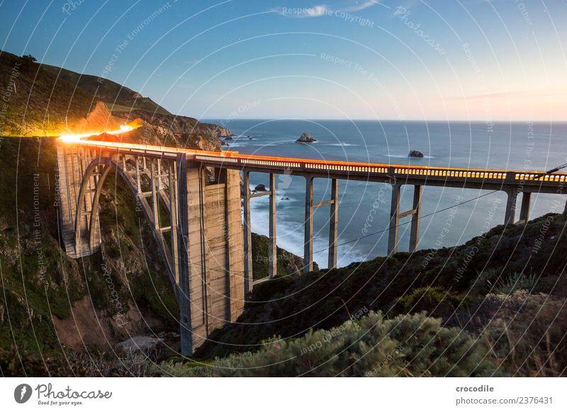 Bixby Creek Bridge Highway One Autobahn Kalifornien Brücke Art deco Dämmerung Meer Pazifik Küste Beton Strand PKW Verkehr Nacht Leuchtspur