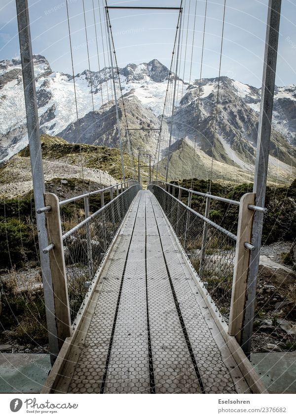 Wege Umwelt Natur Landschaft Urelemente Erde Wolkenloser Himmel Hügel Felsen Alpen Berge u. Gebirge Gipfel Schneebedeckte Gipfel Gletscher gebrauchen genießen