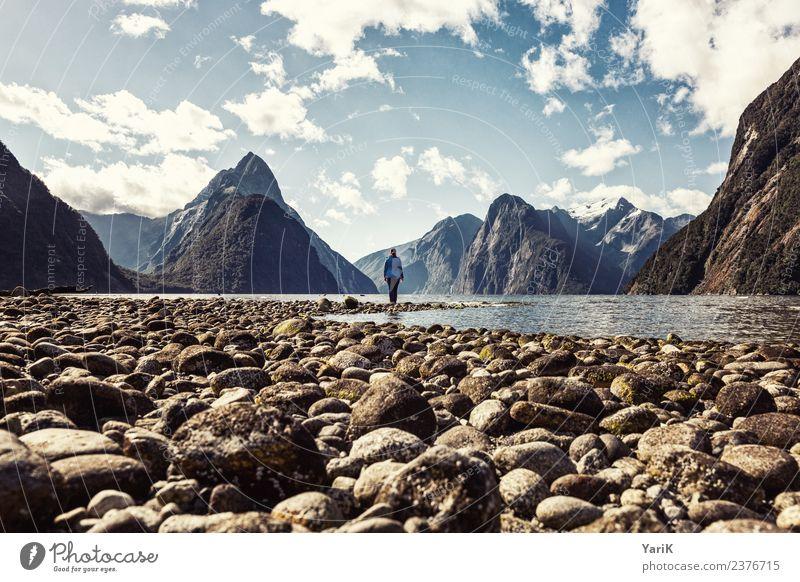 sounds like Milford Frau Mensch Himmel Natur Ferien & Urlaub & Reisen Jugendliche Junge Frau Sommer Landschaft Meer Erholung Einsamkeit Ferne Berge u. Gebirge