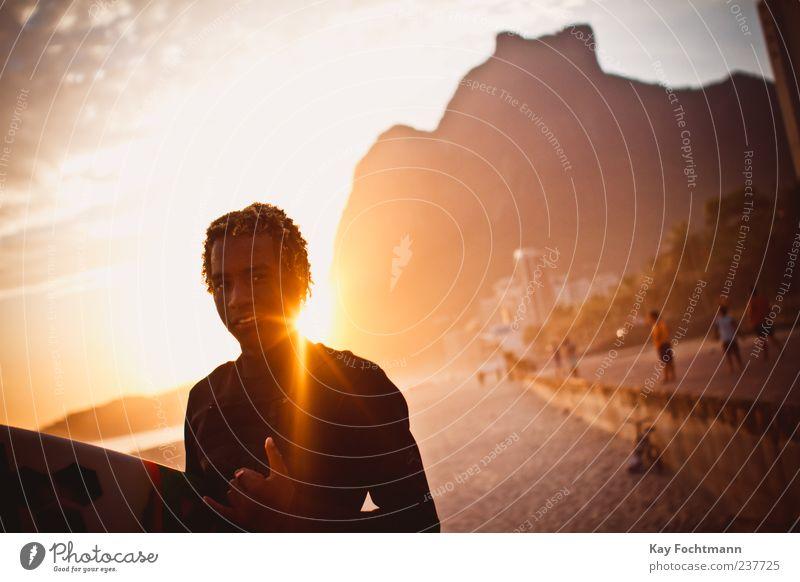 beleza! Stil exotisch Surfen Surfer Strand Meer Mensch maskulin Junger Mann Jugendliche 1 Rio de Janeiro Südamerika Amerika Rastalocken Lächeln ästhetisch