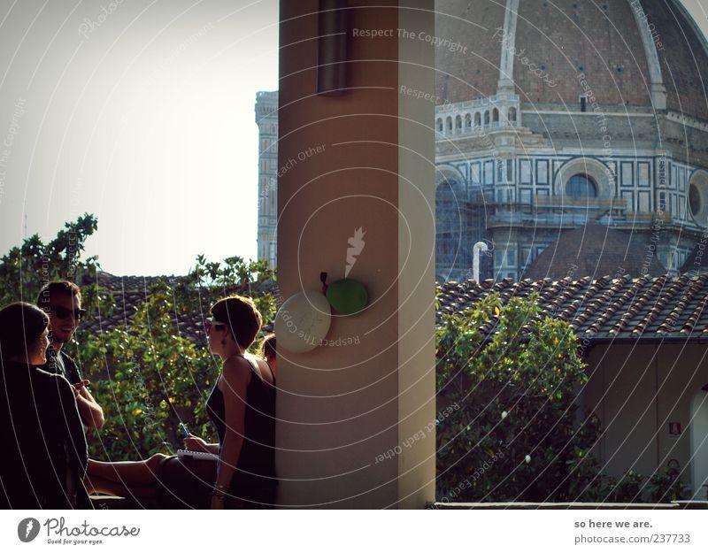 Mensch Jugendliche Sonne Ferien & Urlaub & Reisen Sommer Freude Erwachsene Wand sprechen Freiheit lachen Mauer Menschengruppe Feste & Feiern Tourismus Lifestyle