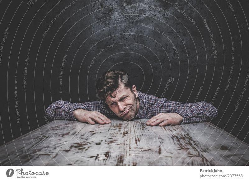 So viel auf den Schultern maskulin Mann Erwachsene 1 Mensch 30-45 Jahre Gefühle Stimmung Ehrlichkeit Rechtschaffenheit Traurigkeit Sorge Liebeskummer Müdigkeit