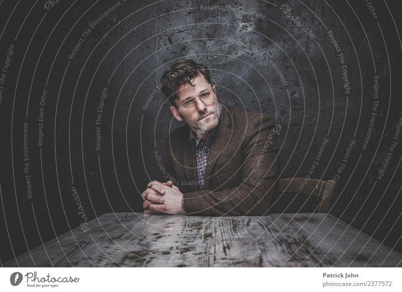 Arbeitslos Mensch Mann Einsamkeit Erwachsene Gefühle Stimmung Büro maskulin Perspektive Partnerschaft Stress Arbeitsplatz Verzweiflung Scham Erschöpfung