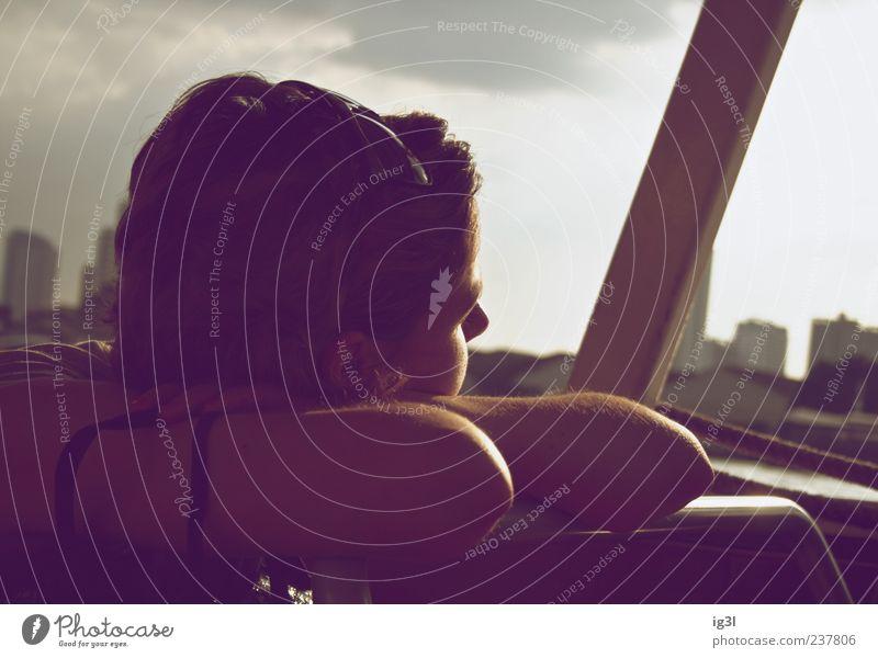 I wish Mensch Jugendliche schön Ferien & Urlaub & Reisen Sommer Einsamkeit Erwachsene feminin Traurigkeit Denken träumen Stimmung Kraft 18-30 Jahre Warmherzigkeit nachdenklich