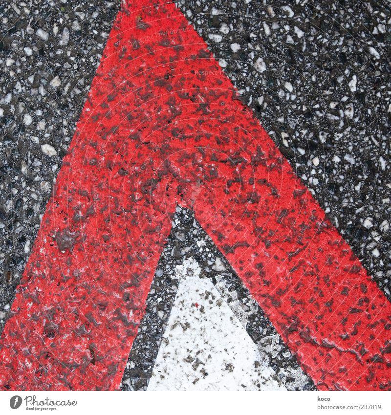 Streetview weiß rot schwarz Straße grau Linie Schilder & Markierungen Hinweisschild Spitze einfach Asphalt Zeichen Pfeil Verkehrswege eckig Verkehrsschild