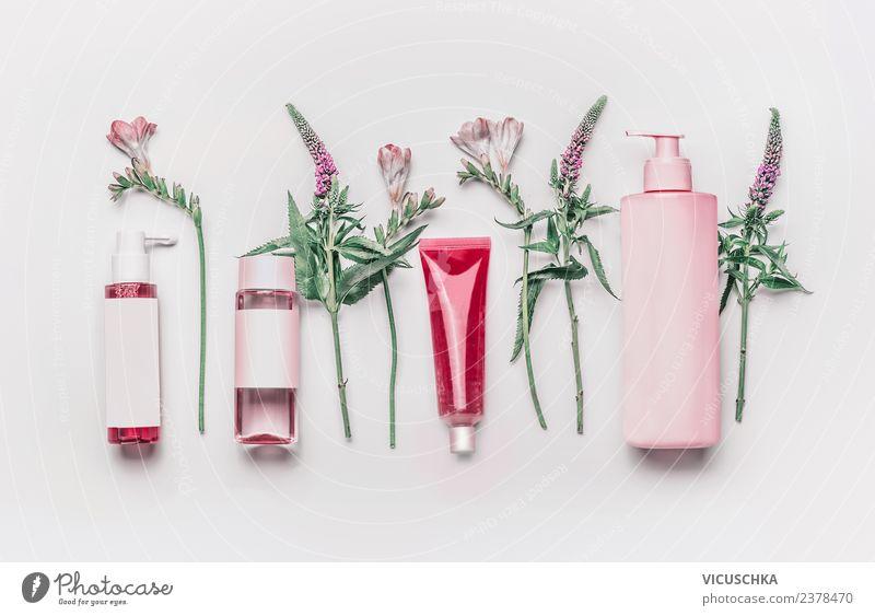 Natur Kosmetik Produkte mit Kräutern und Blumen kaufen Stil Design schön Creme Gesundheit Wellness Pflanze Rose trendy rosa Flasche Serum Cleanser Hautpflege