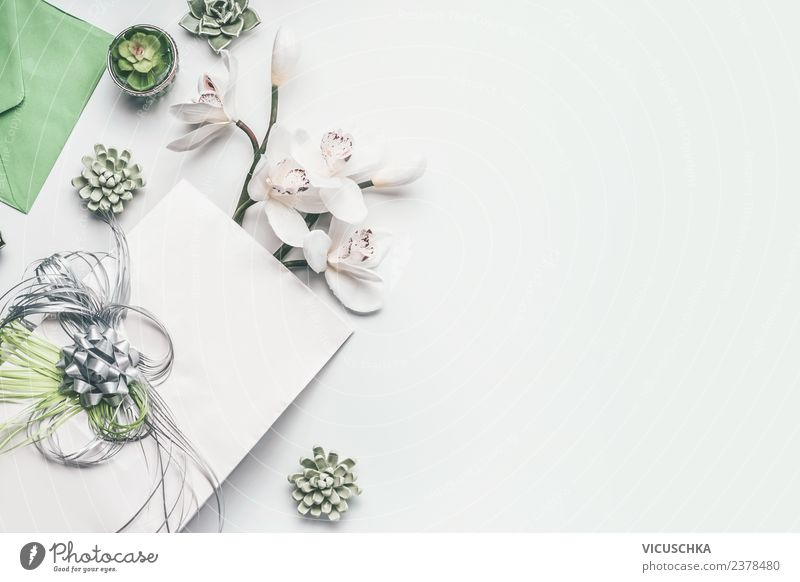 Grün weiße Geschenkverpackung mit Schleife und Orchideen Stil Design Dekoration & Verzierung Schreibtisch Feste & Feiern Valentinstag Muttertag Hochzeit