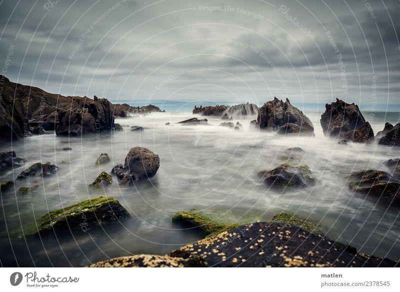 Klunker Natur Landschaft Luft Wasser Himmel Wolken Horizont Sommer schlechtes Wetter Wind Felsen Wellen Küste Strand Riff Meer dunkel maritim wild Bizkaya