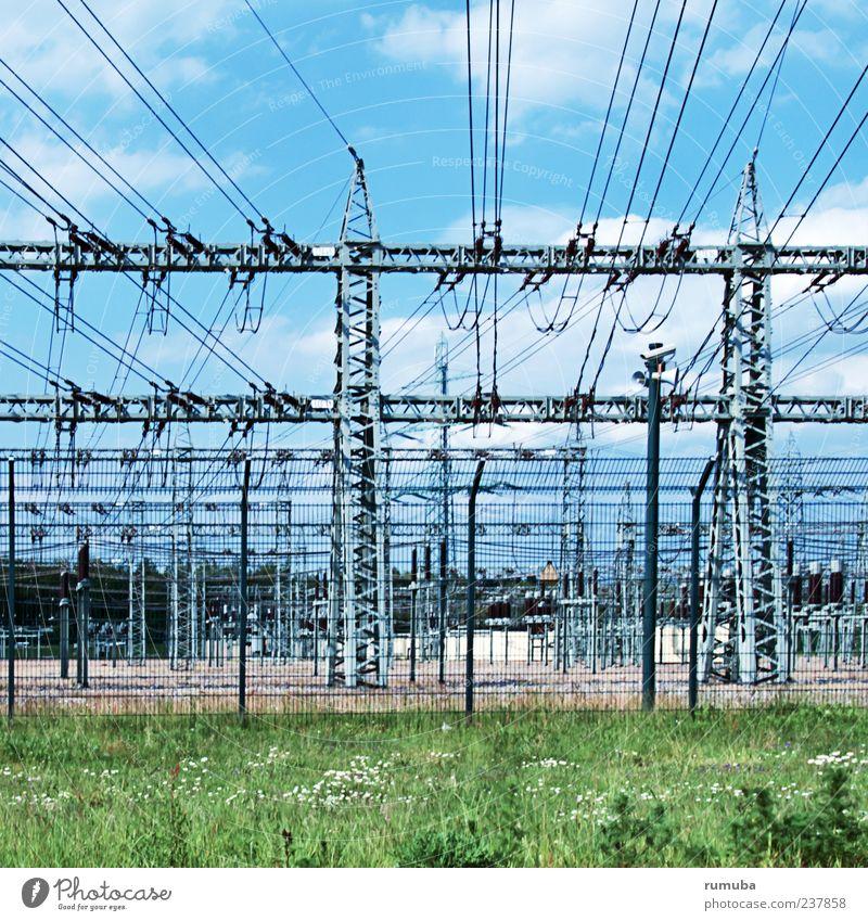 Hochspannung Industrie Energiewirtschaft Technik & Technologie Energiekrise Umwelt Himmel gefährlich Elektrizität Hochspannungsleitung Stromkraftwerke Strommast