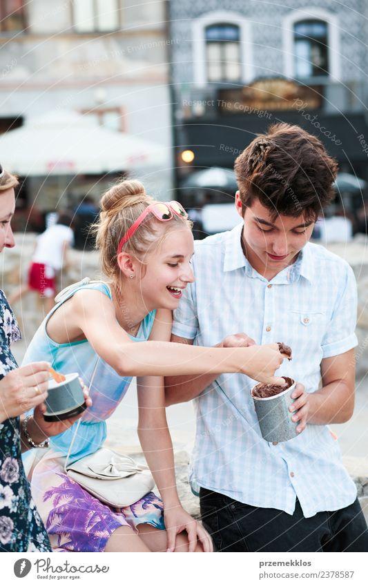 Frau Mensch Ferien & Urlaub & Reisen Jugendliche Mann Junge Frau Sommer Stadt schön Junger Mann Erholung Freude Mädchen Erwachsene Essen Lifestyle