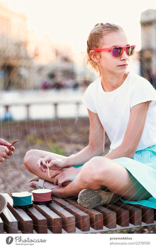 Frau Mensch Ferien & Urlaub & Reisen Jugendliche Junge Frau Sommer Stadt schön Freude Erwachsene Essen Lifestyle Glück Freiheit Freundschaft Freizeit & Hobby