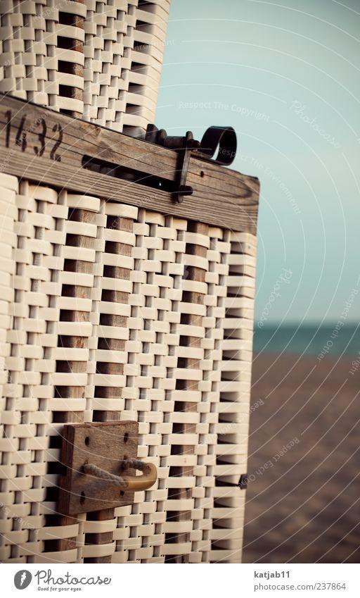 1432 Ferien & Urlaub & Reisen Tourismus Sommer Sommerurlaub Strand Meer Insel Natur Sand Wasser Wolkenloser Himmel Horizont Nordsee Sylt Strandkorb sitzen ruhig