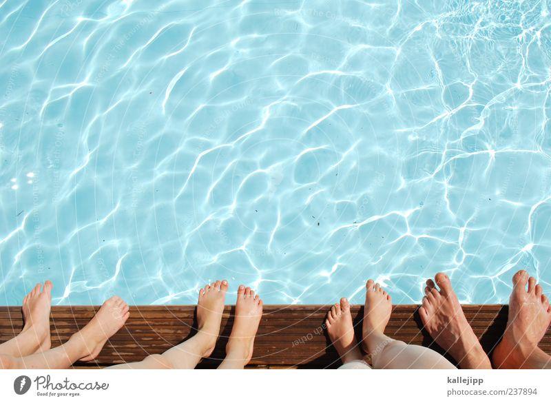 frauen und kinder zuerst Lifestyle Freizeit & Hobby Spielen Sport Wassersport Schwimmbad Mensch maskulin Mann Erwachsene Familie & Verwandtschaft Kindheit Leben