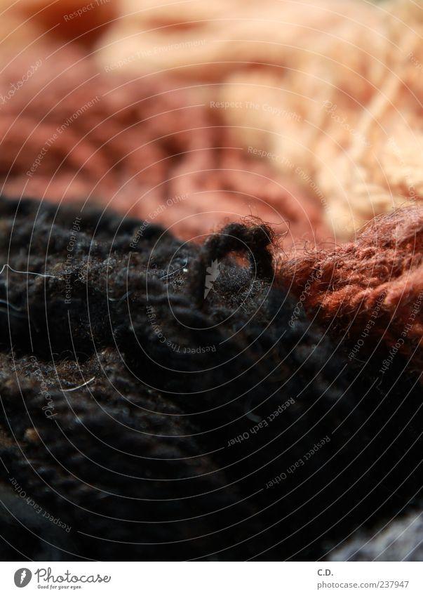 Schafswolle rot schwarz rosa Bekleidung weich Stoff Nähgarn Wolle stricken spinnen Freizeit & Hobby