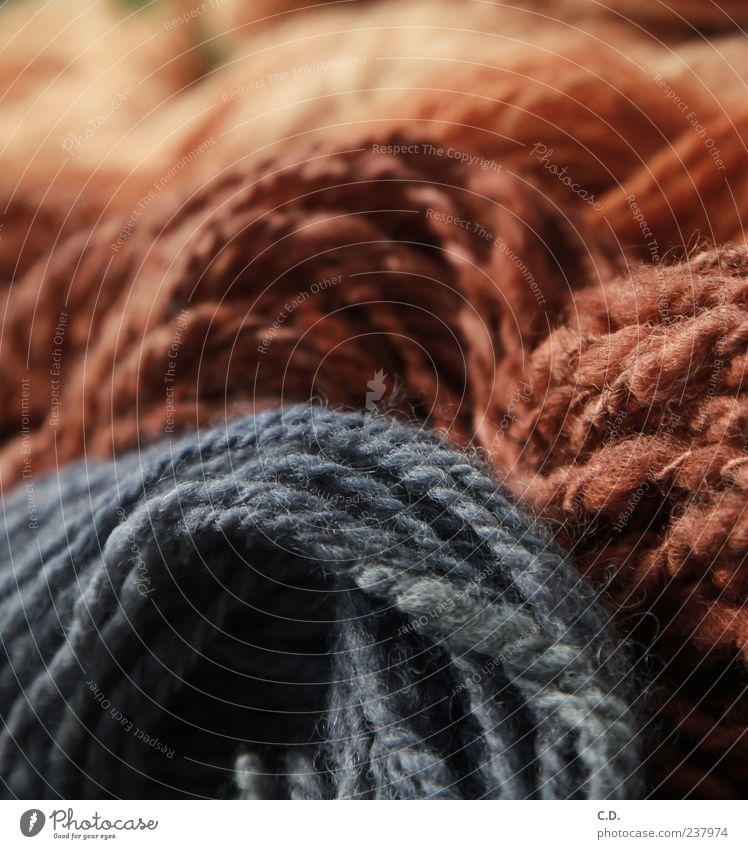 bunte wolle weich rot Freizeit & Hobby Wolle spinnen kratzig mehrfarbig stricken Schafswolle Farbfoto grau rotbraun Stoff Nähgarn Menschenleer Textfreiraum oben
