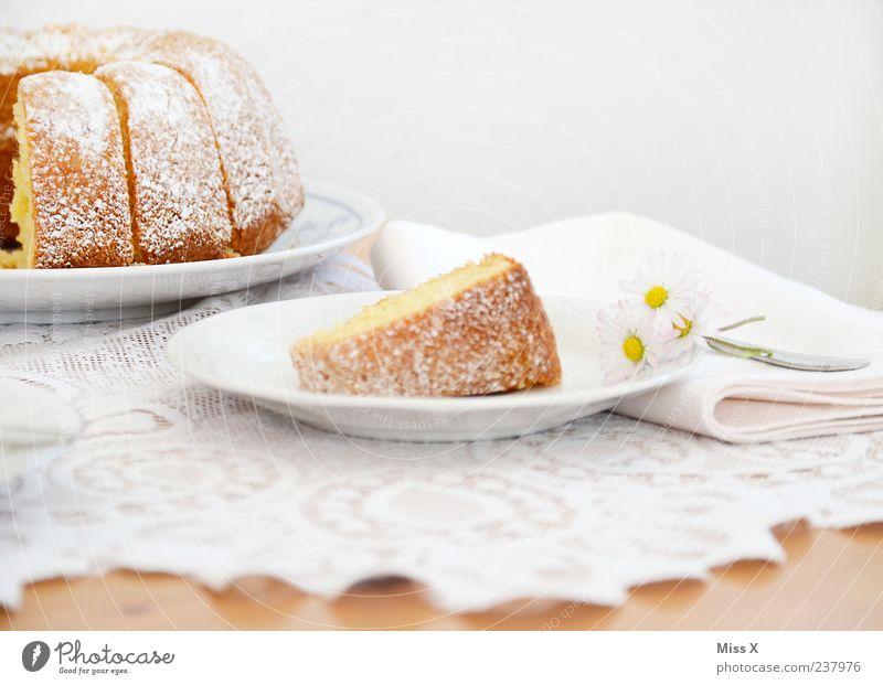 google-hupf weiß Ernährung Lebensmittel frisch Tisch süß Teile u. Stücke Kuchen lecker Frühstück Teller Gänseblümchen Spitze saftig Backwaren Teigwaren