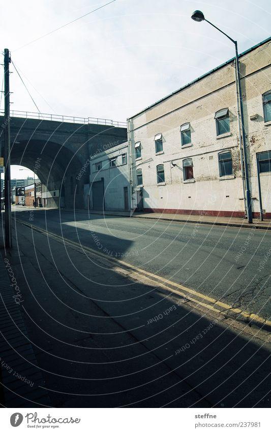 The Streets Blinded By The Light Einsamkeit Haus Straße Wege & Pfade Fassade Beton Verkehr Brücke trist Asphalt Fabrik Laterne Tunnel Strommast England