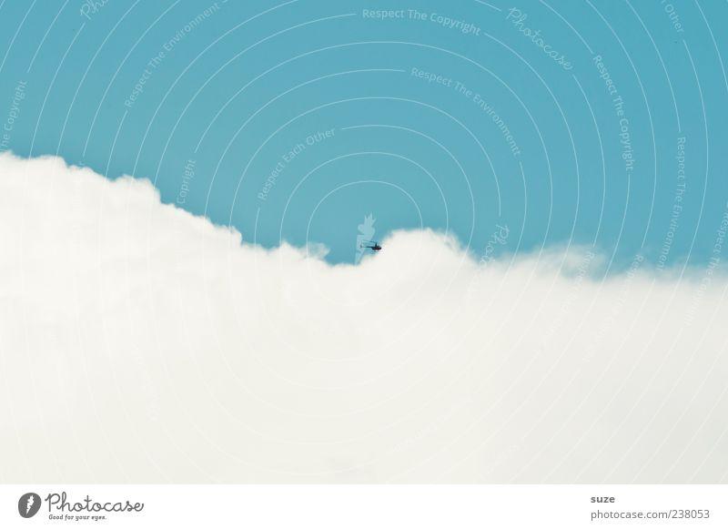 Airwolf Ferne Freiheit Luftverkehr Umwelt Urelemente Himmel Wolken Klima Schönes Wetter Hubschrauber fliegen klein blau weiß hell-blau Farbfoto mehrfarbig