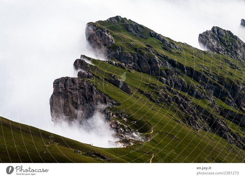 abbrechen Natur Ferien & Urlaub & Reisen Sommer Landschaft Wolken Ferne Berge u. Gebirge Wege & Pfade Wiese Tourismus Felsen Ausflug wandern Nebel Abenteuer