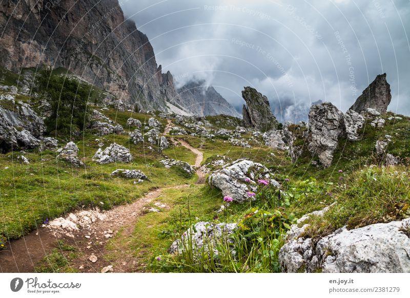 zwischendurch Himmel Natur Ferien & Urlaub & Reisen Sommer Landschaft Wolken Berge u. Gebirge Wege & Pfade Wiese Tourismus Felsen Ausflug wandern Idylle