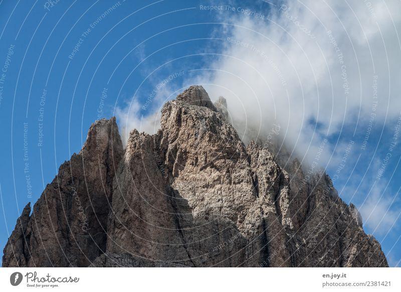 Verhangen Natur Ferien & Urlaub & Reisen Landschaft Einsamkeit Ferne Berge u. Gebirge Religion & Glaube Tourismus Felsen wandern Abenteuer Vergänglichkeit hoch