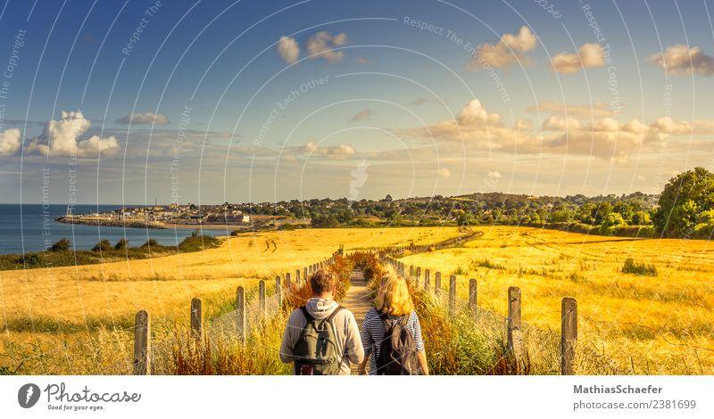 Golden Path Ferien & Urlaub & Reisen Ausflug Ferne Sommer Sommerurlaub Sonne wandern Mensch 2 Landschaft Himmel Wolken Horizont Sonnenaufgang Sonnenuntergang