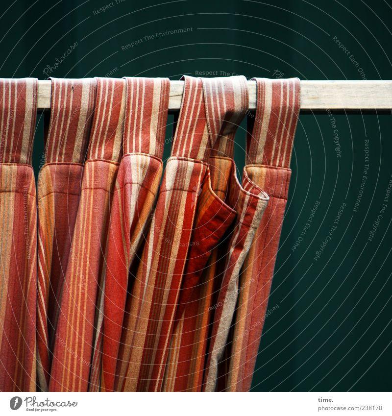 Privatsphäre Menschenleer hängen schön gelb rot Bewegung Vorhang Stab Falte Faltenwurf Schlaufe orange verschoben Textilien Stoff Stoffmuster Farbfoto