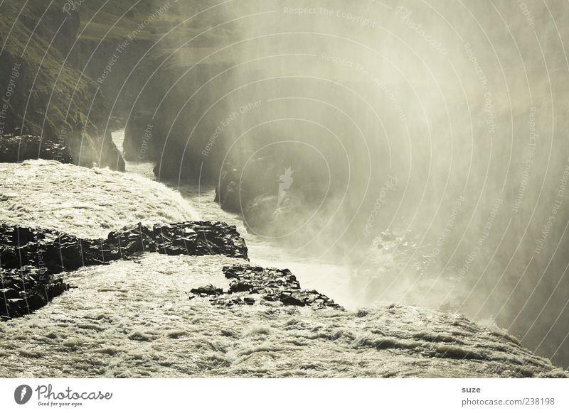 Überlauf Natur Wasser Landschaft dunkel Umwelt Berge u. Gebirge Stein außergewöhnlich Felsen Nebel wild Klima Urelemente Fluss tief Island