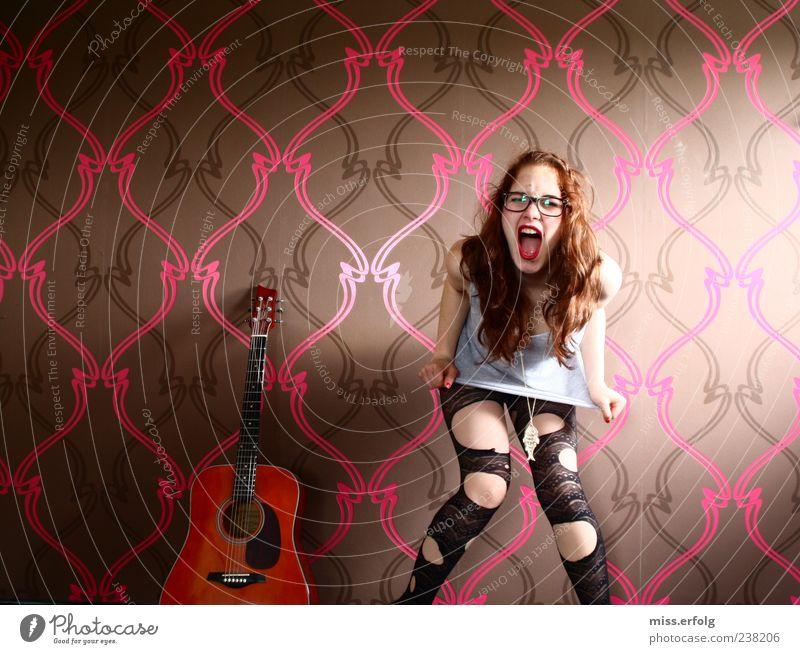 say whaaat ? Einsamkeit Junge Frau Freude 18-30 Jahre Gefühle Stil Mode Musik Haut Lifestyle Design Mund kaputt Brille Kreativität Wut