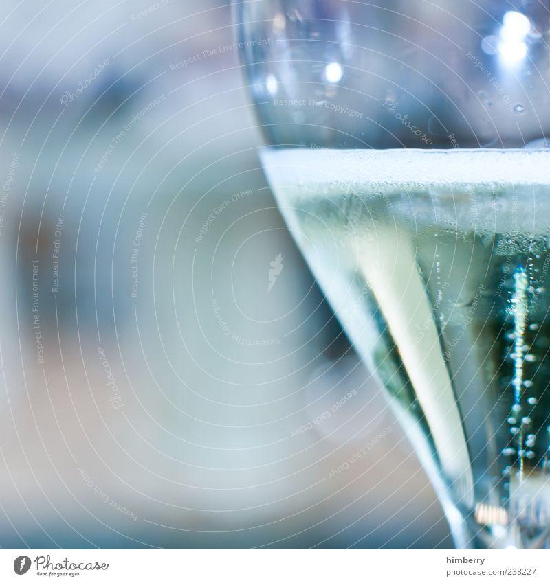 sektfrühstück Lebensmittel Getränk Erfrischungsgetränk Alkohol Sekt Prosecco Champagner Glas Sektglas kalt Gefühle Farbfoto mehrfarbig Außenaufnahme