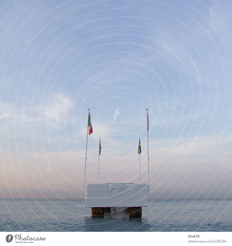 Pier ohne Anschluss Himmel blau Wasser weiß Ferien & Urlaub & Reisen Meer Sommer Strand Wolken Küste Horizont rosa Beton Europa Fahne Steg