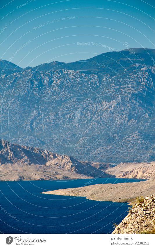 Eingang Landschaft Wasser Wolkenloser Himmel Sommer Schönes Wetter Felsen Berge u. Gebirge Bucht Stein Ferien & Urlaub & Reisen Gelassenheit Farbfoto