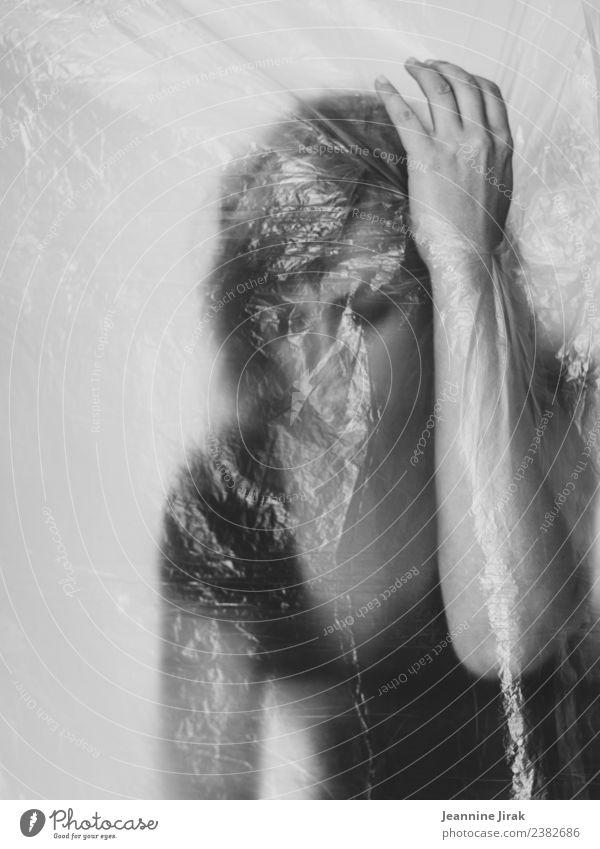ohne Titel feminin Hand 1 Mensch Traurigkeit Sehnsucht Enttäuschung Einsamkeit Scham Hemmung Angst Verzweiflung Schüchternheit Kraft Tabubruch verlieren